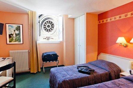 HPH110 - Hôtel convivial au cœur de la Cité Mariale