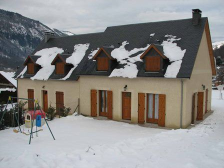 VLG127 - Maison mitoyenne dans le village