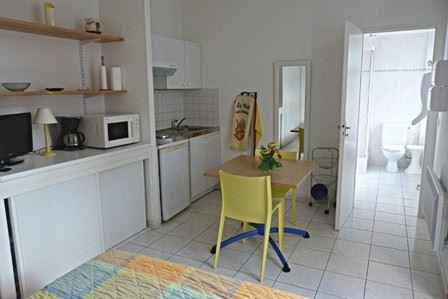 """GTBB4 - Studio """"jonquille"""" idéalement situé à Bagnères de Bigorre"""