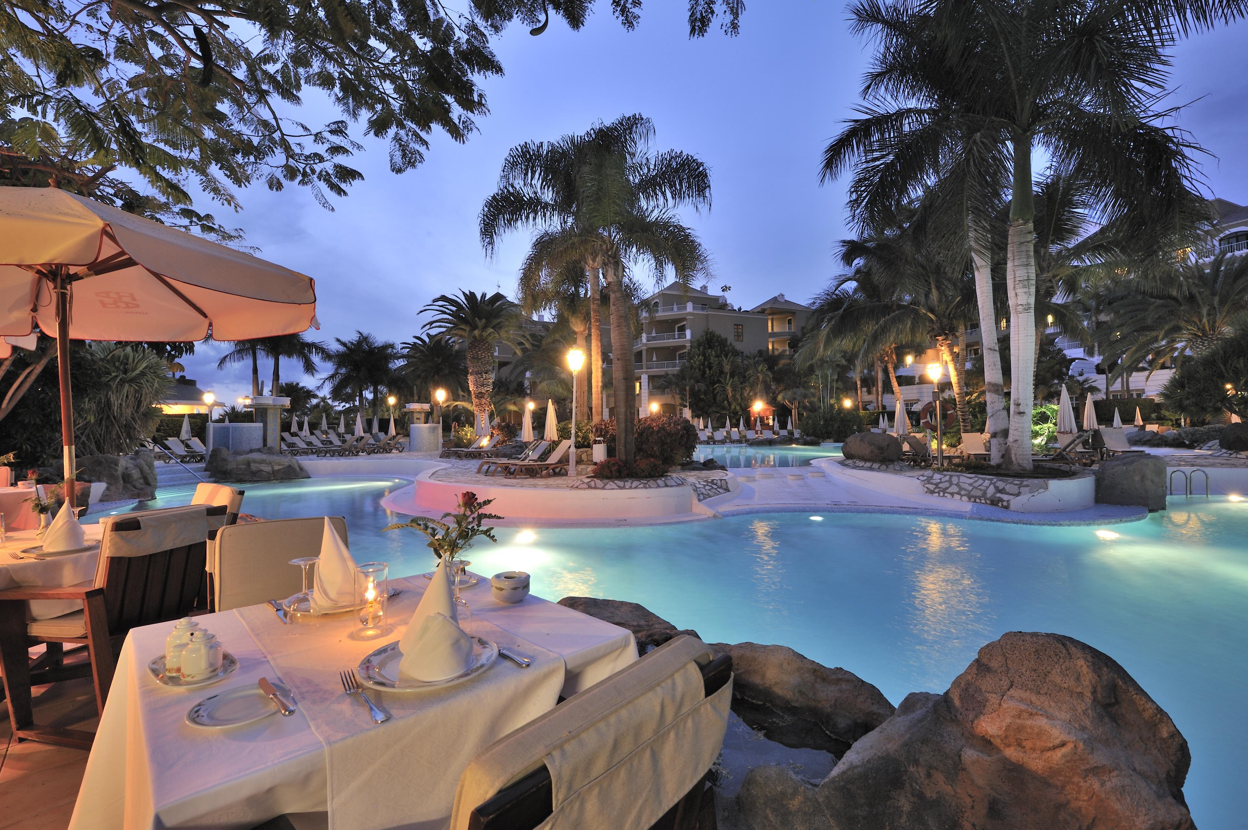 Poolen på Hotell Jardines de Nivaria, Playa de Fanabe Teneriffa