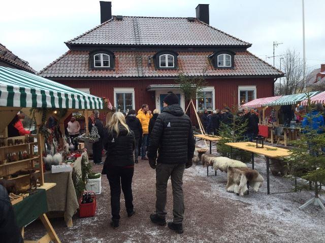 Traditionell julmarknad på Korsnäsgården