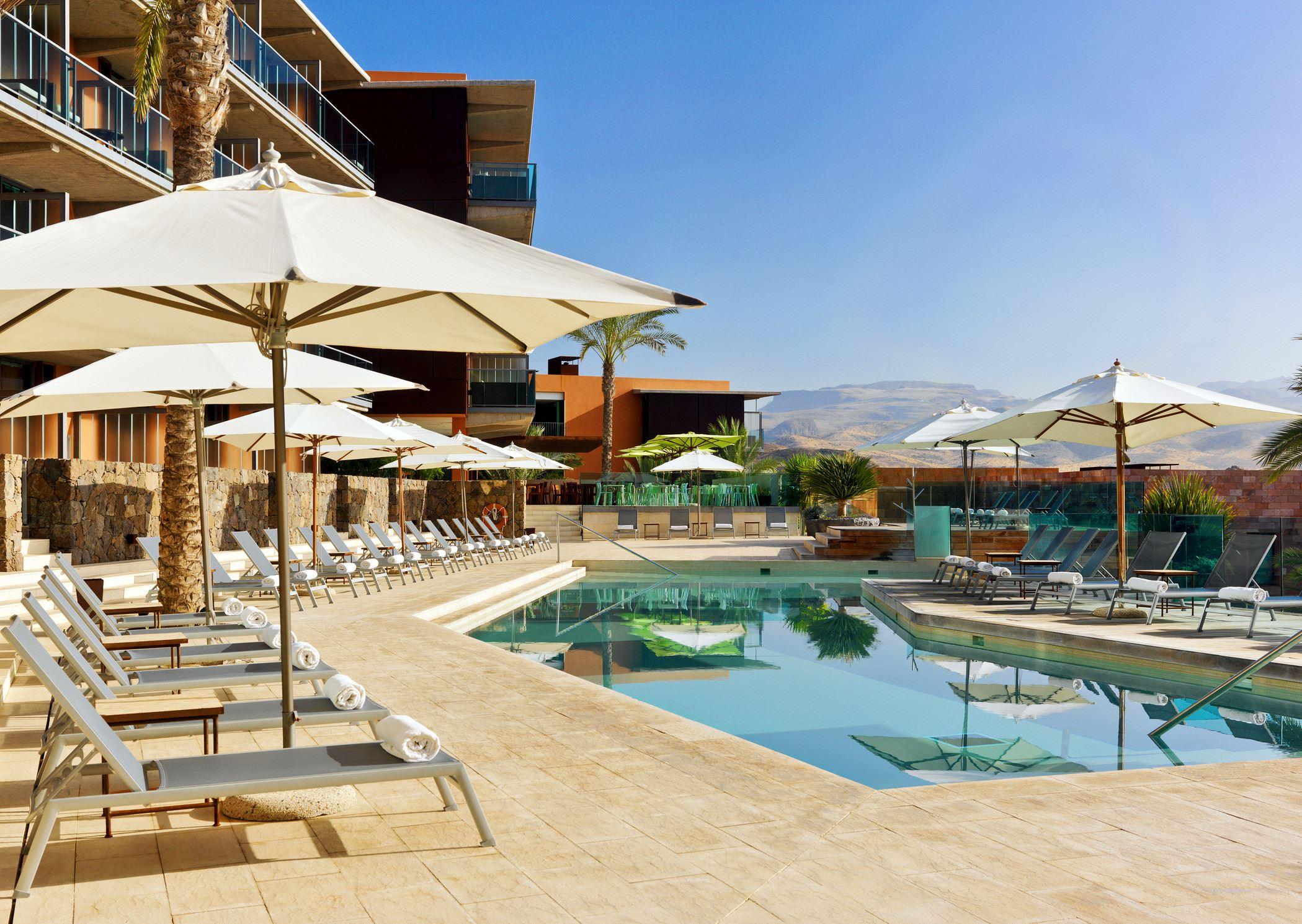 Poolområdet på Hotell Sheraton Gran Canaria Salobre Golf Resort, Las Palmas Gran Canaria