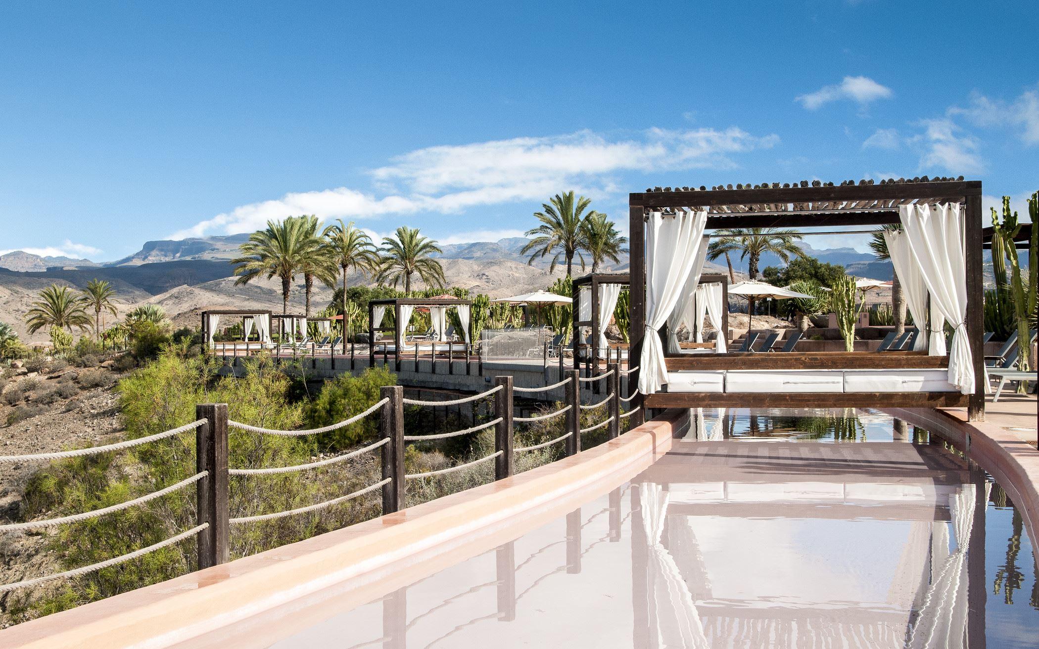Balisolsängar på Hotell Sheraton Gran Canaria Salobre Golf Resort, Las Palmas Gran Canaria