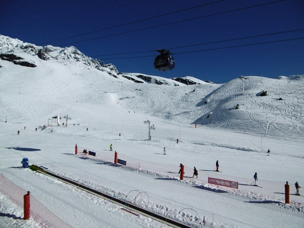 ROC DE PECLET B13 / STUDIO 4 PERSONNES - 1 BRONZE SNOWFLAKE - CI