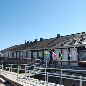 Dygnsparkering för husbilar i Ystads Marina