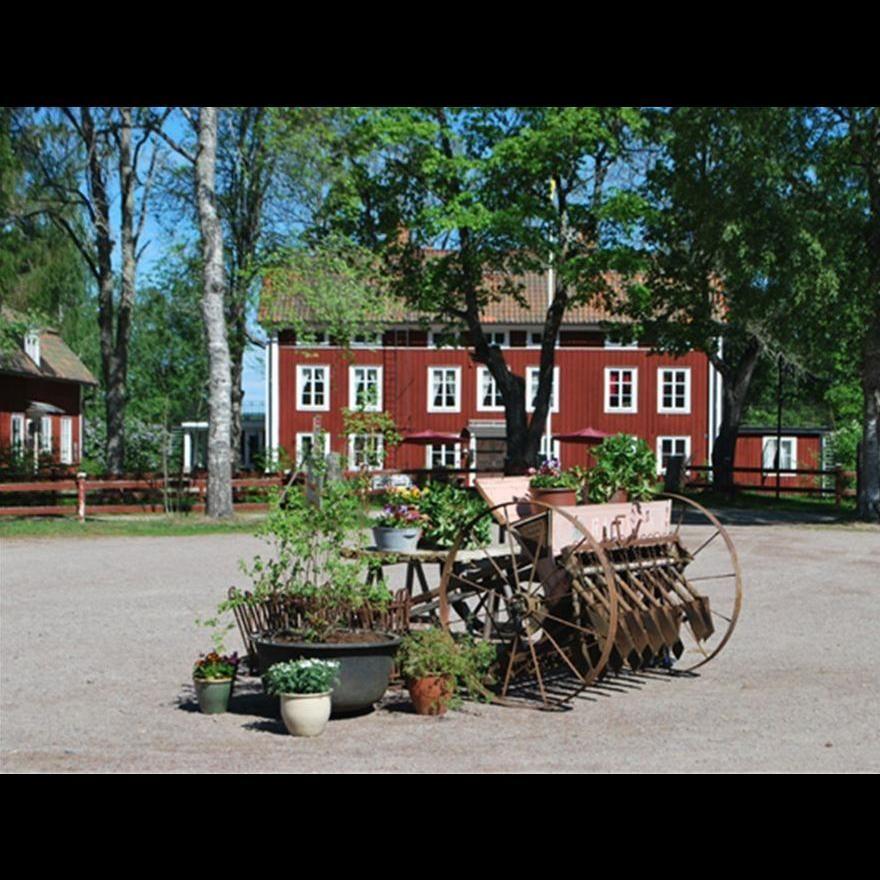Tolvsbo, Restaurang & Café Bergsmansgård Tolvsbo