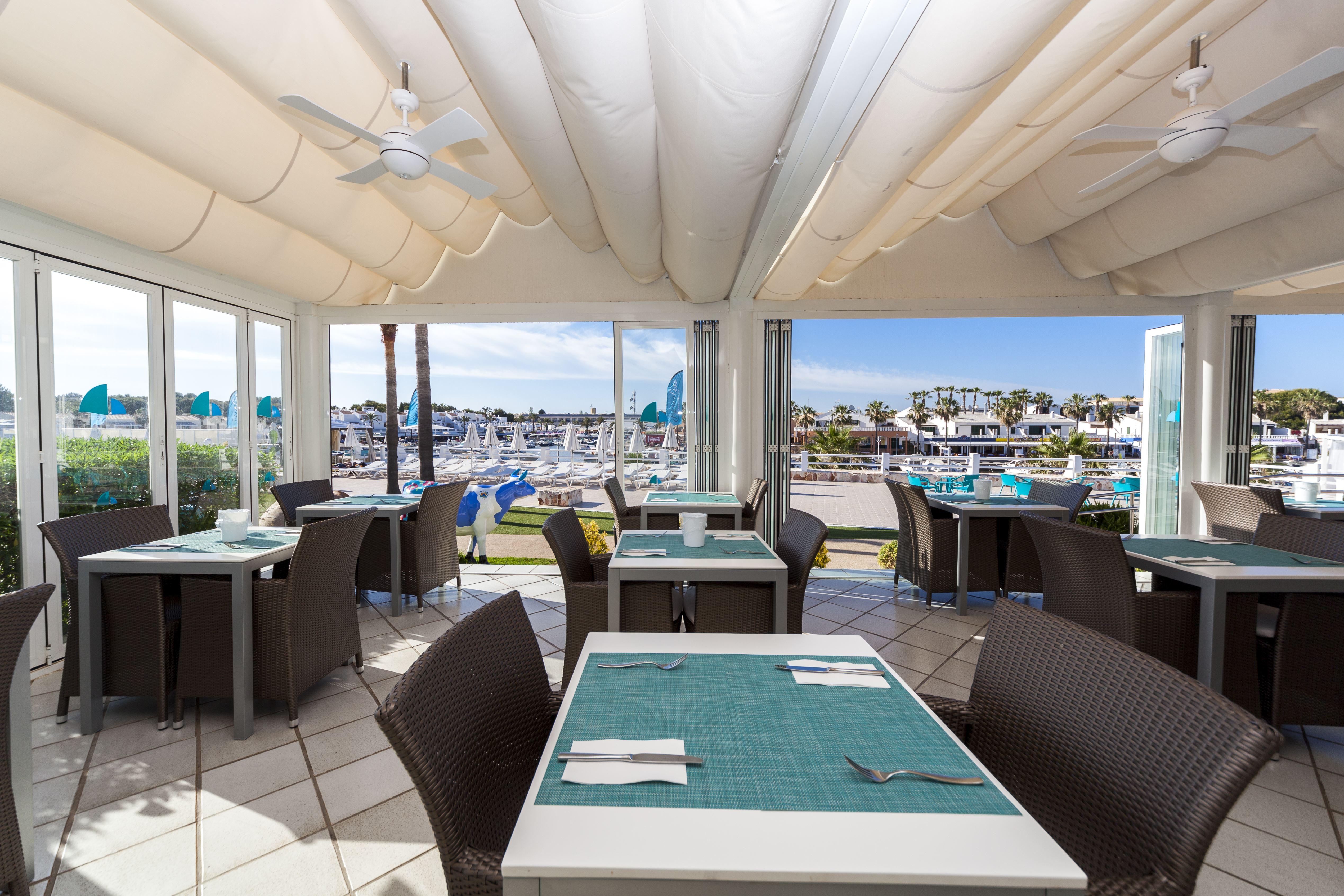 Restaurang på Hotell Casas Del Lago & Beach Club, Cala'n Bosch Menorca