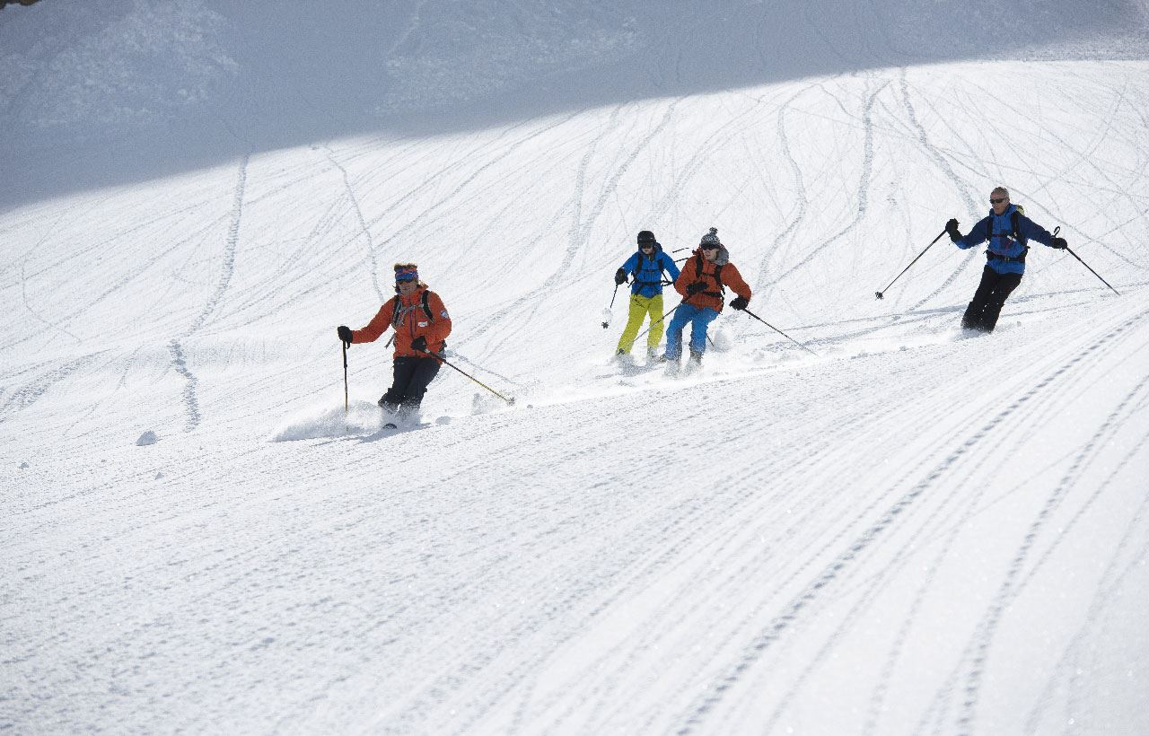 BUREAU DES GUIDES: Easy Heliski (from 1 to 5 people)