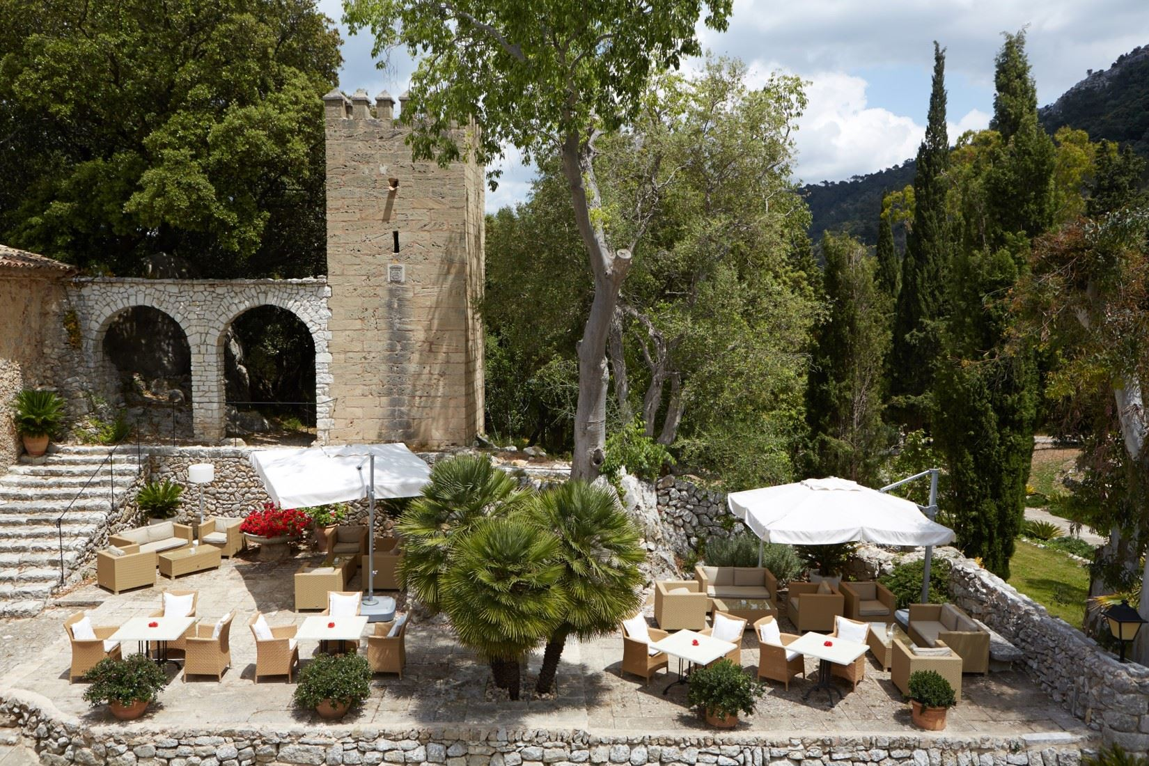 Exteriör L´Hermitage Hotel & Spa, Orient Mallorca