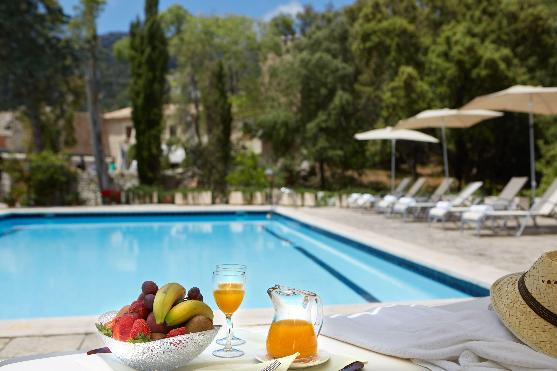Pool på L´Hermitage Hotel & Spa, Orient Mallorca
