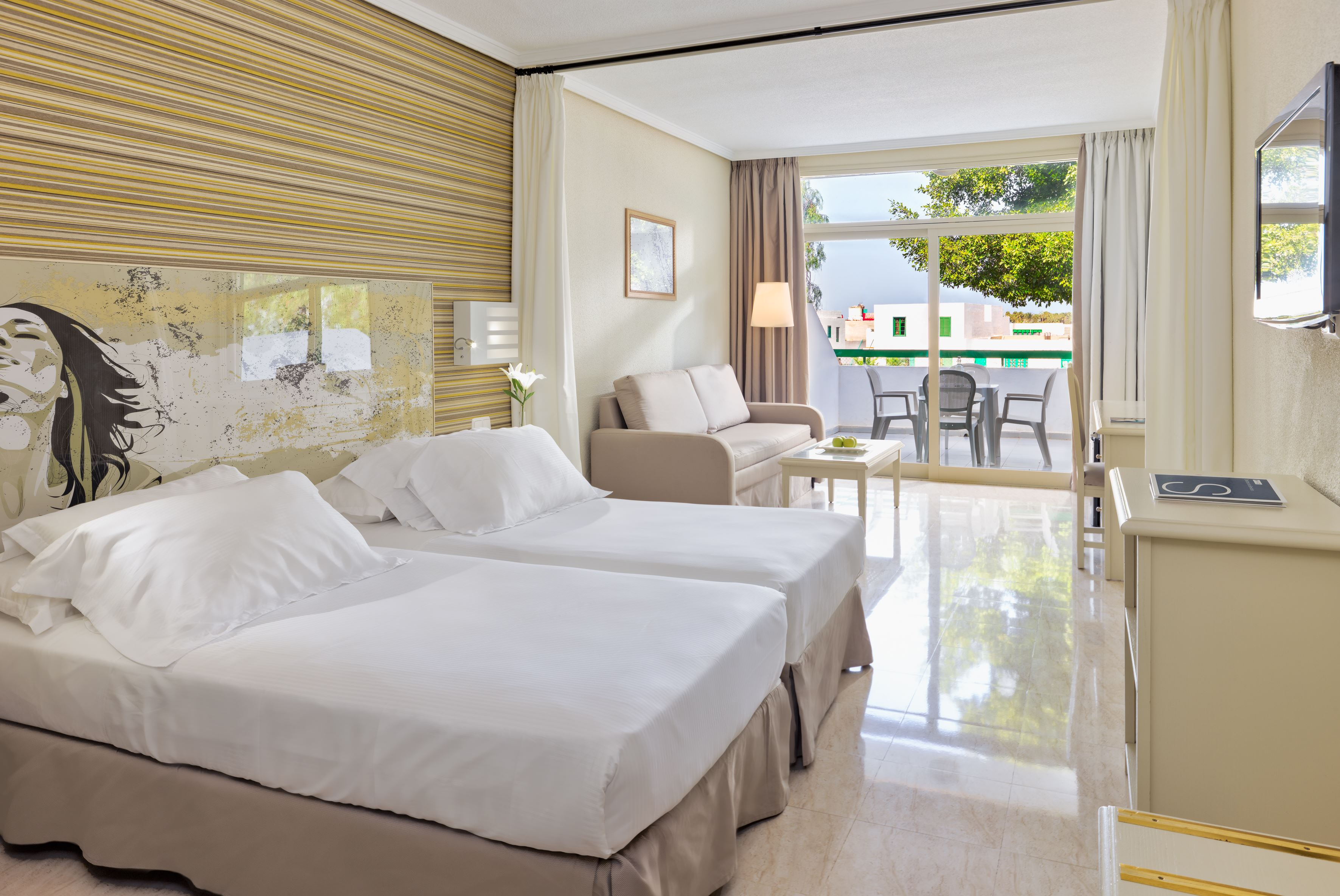Hotell H10 Lanzarote Princess: Populärt familjehotell – halvpension ingår!