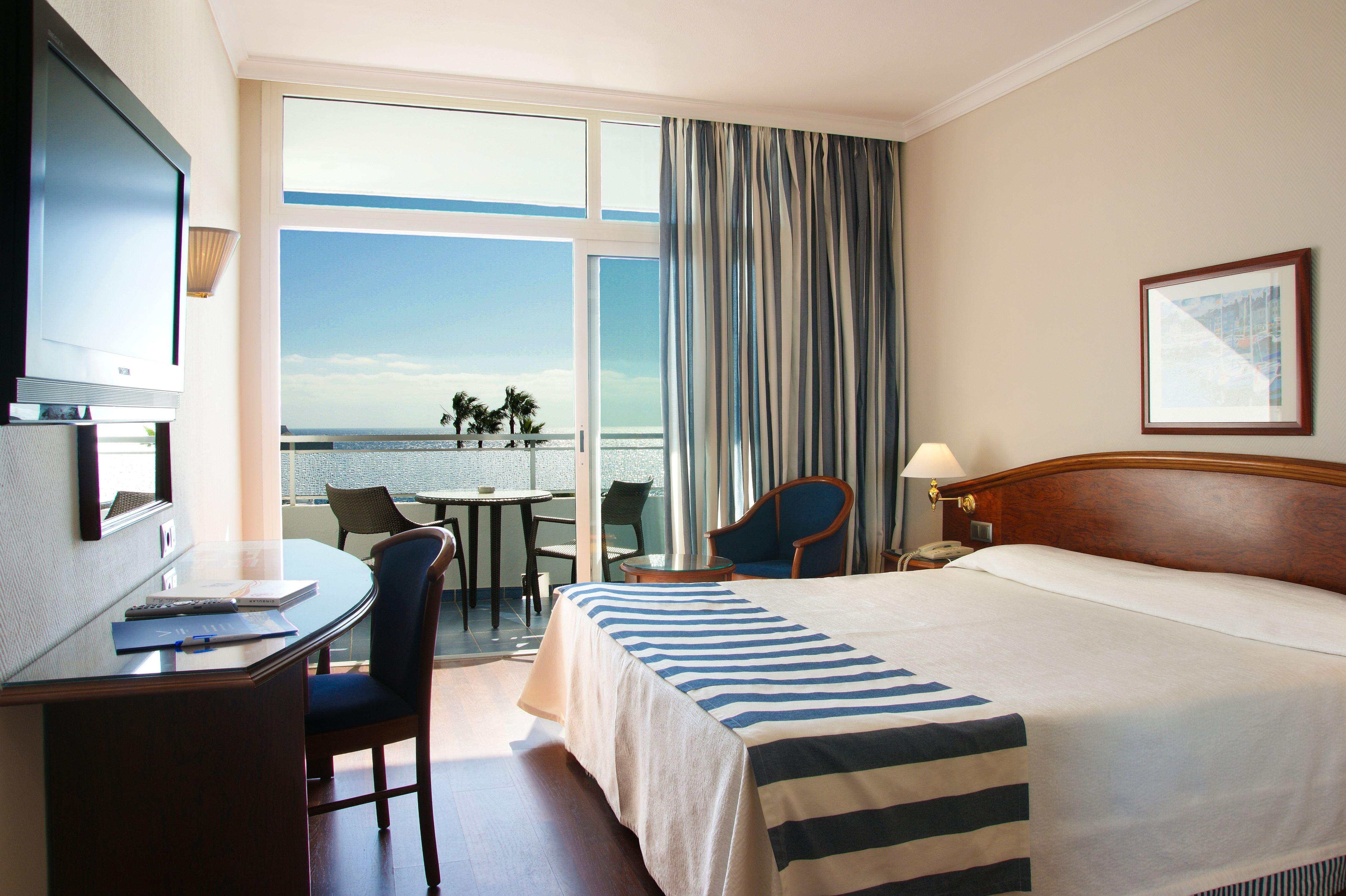 VIK Hotel San Antonio: Klassiskt hotell med idealiskt strandläge i Puerto del Carmen