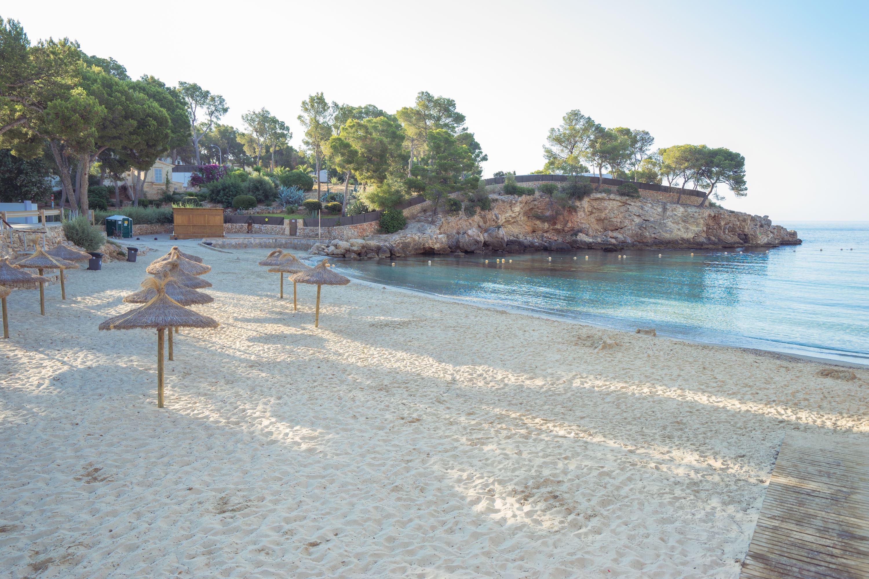 Stranden vid Iberostar Grand Hotel Portals Nous, Mallorca