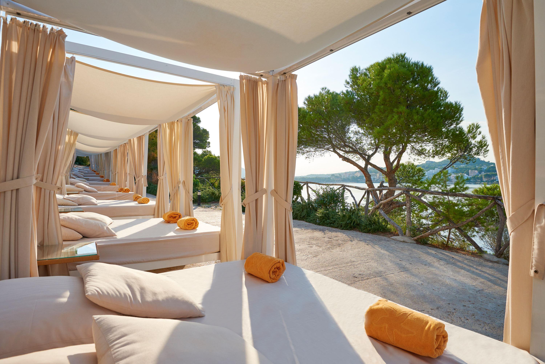 Balisolsängar på Iberostar Suite Hotel Jardin del Sol, Santa Ponsa Mallorca
