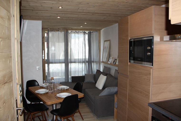 2 Pièces cabine 4 Pers skis aux pieds / SOLDANELLES A 104