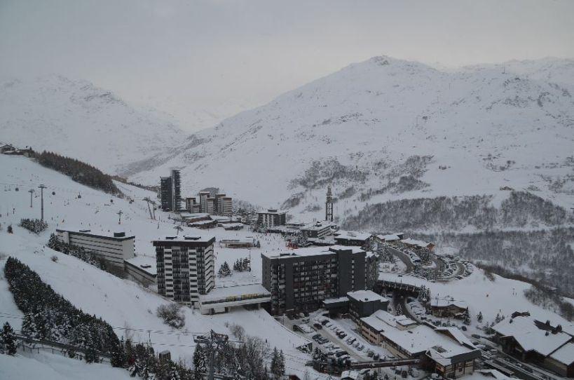 2 Pièces 4 Pers skis aux pieds / COMBES 1107
