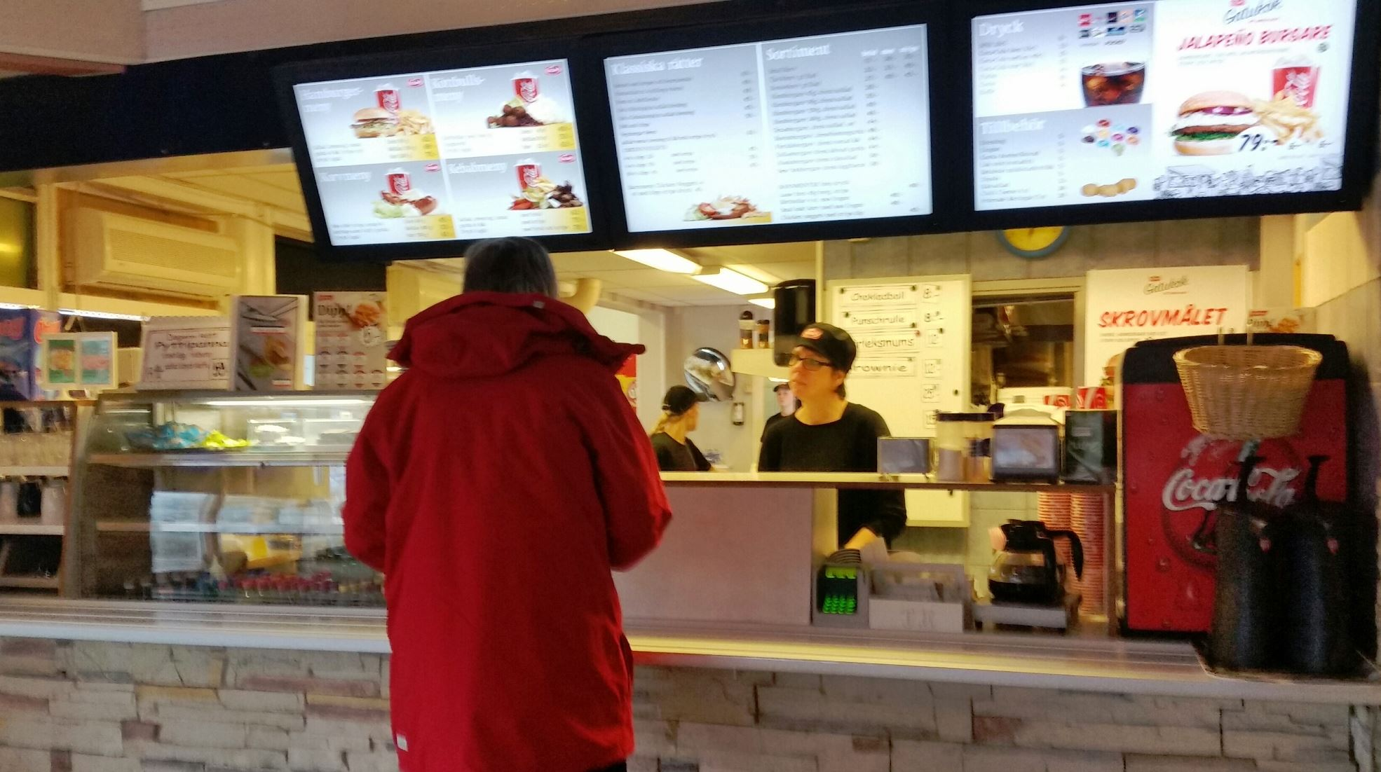 Lasses Kiosk & Grill
