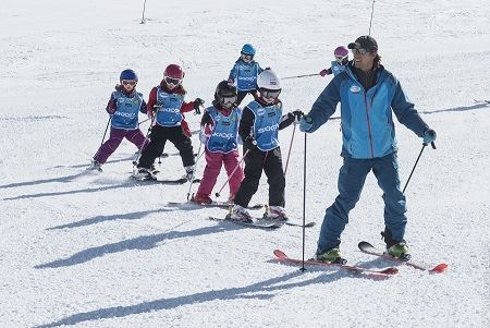 Morning group ski lesson child from 5 to 12 years old Ski Cool