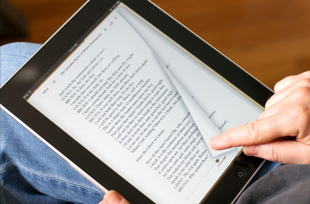 Tomelilla bibliotek,  © Tomelilla bibliotek, Tomelilla bibliotek, första it-hjälpen, e-böcker