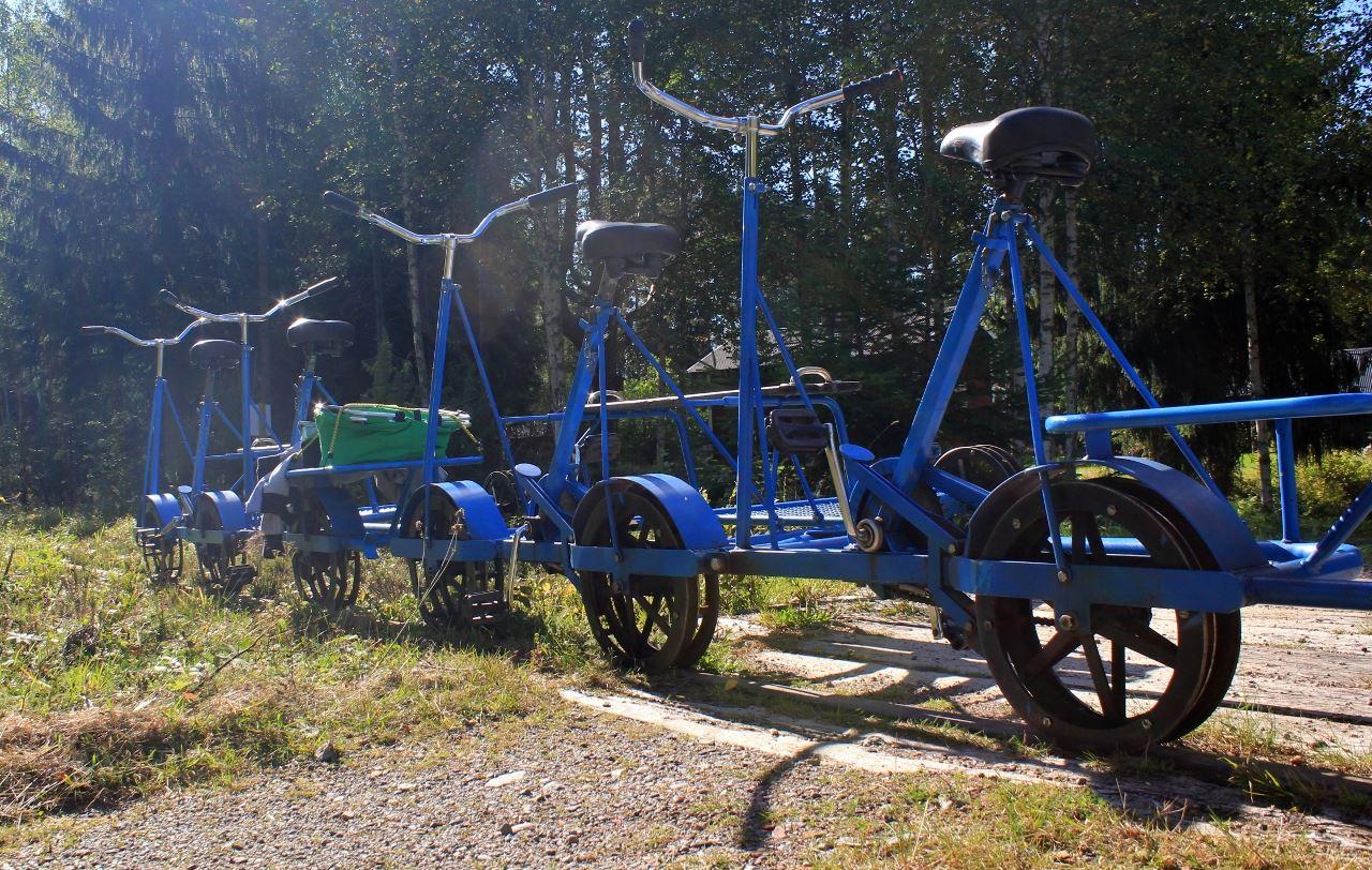 Cykla Dressin i Finnskogarnas vildmark vid Station Sågen