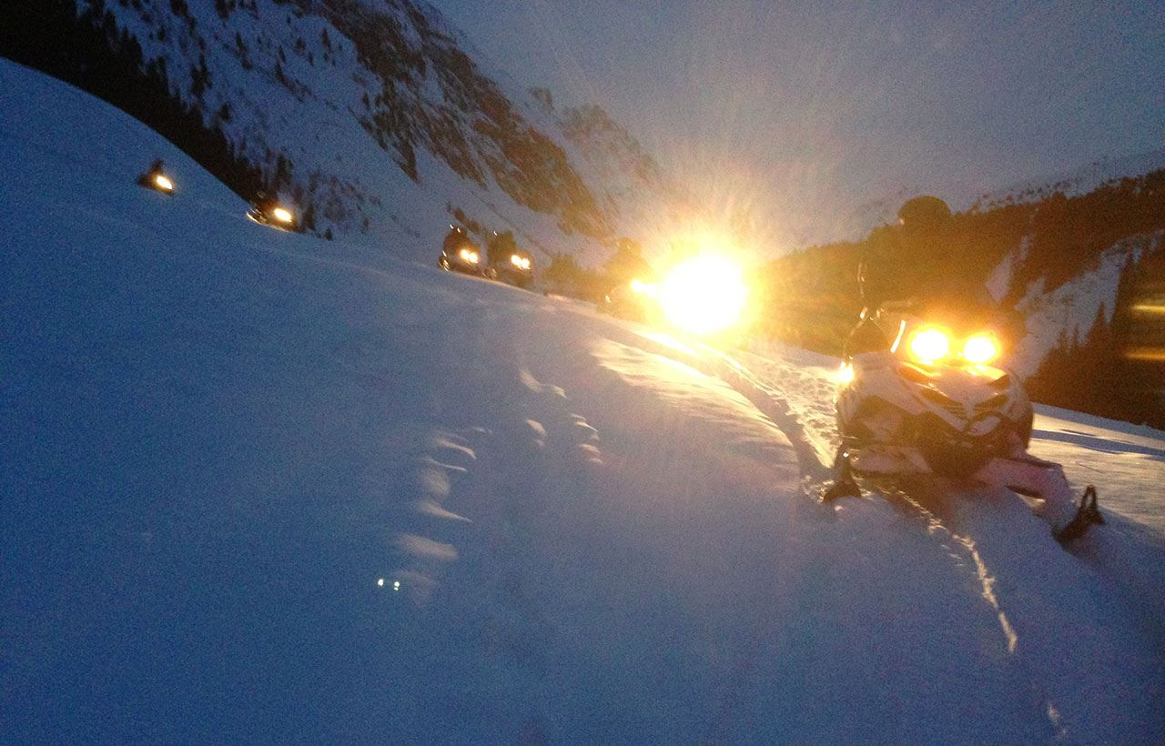 COURCHEVEL AVENTURE: Snowmobile trip