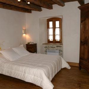 © © , HPCH53 - Chambres d'hôtes au cœur d'un charmant village