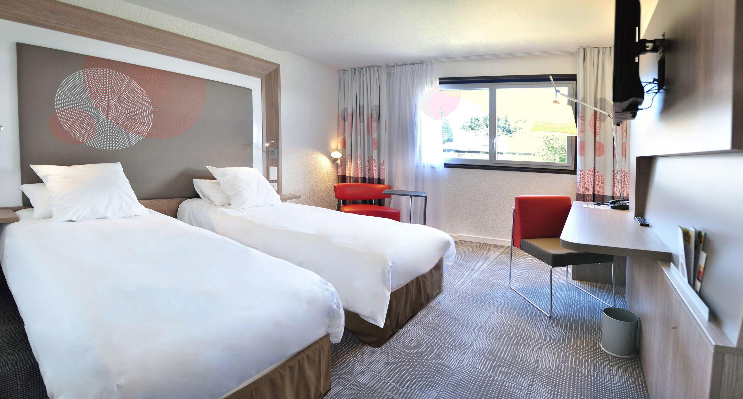 Novotel Carquefou Hotel
