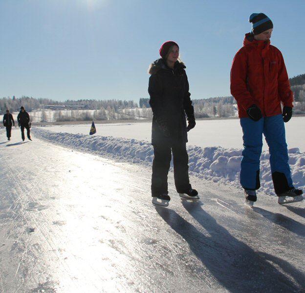 Pia Wallner,  © Pia Wallner, Vinteraktiviteter på Brunnsjön