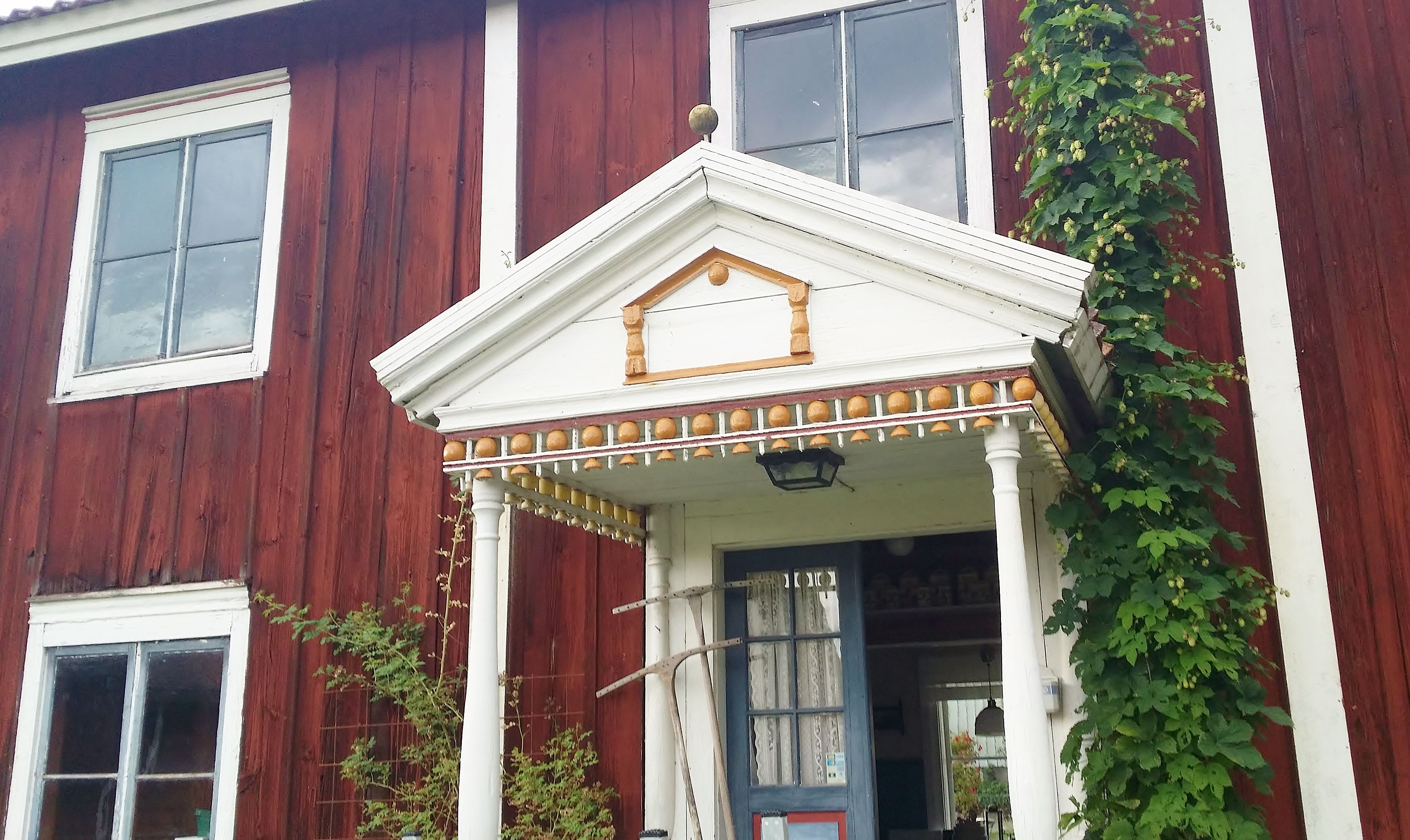 Larshans Antik & Inredning - antikt på Hälsingegård