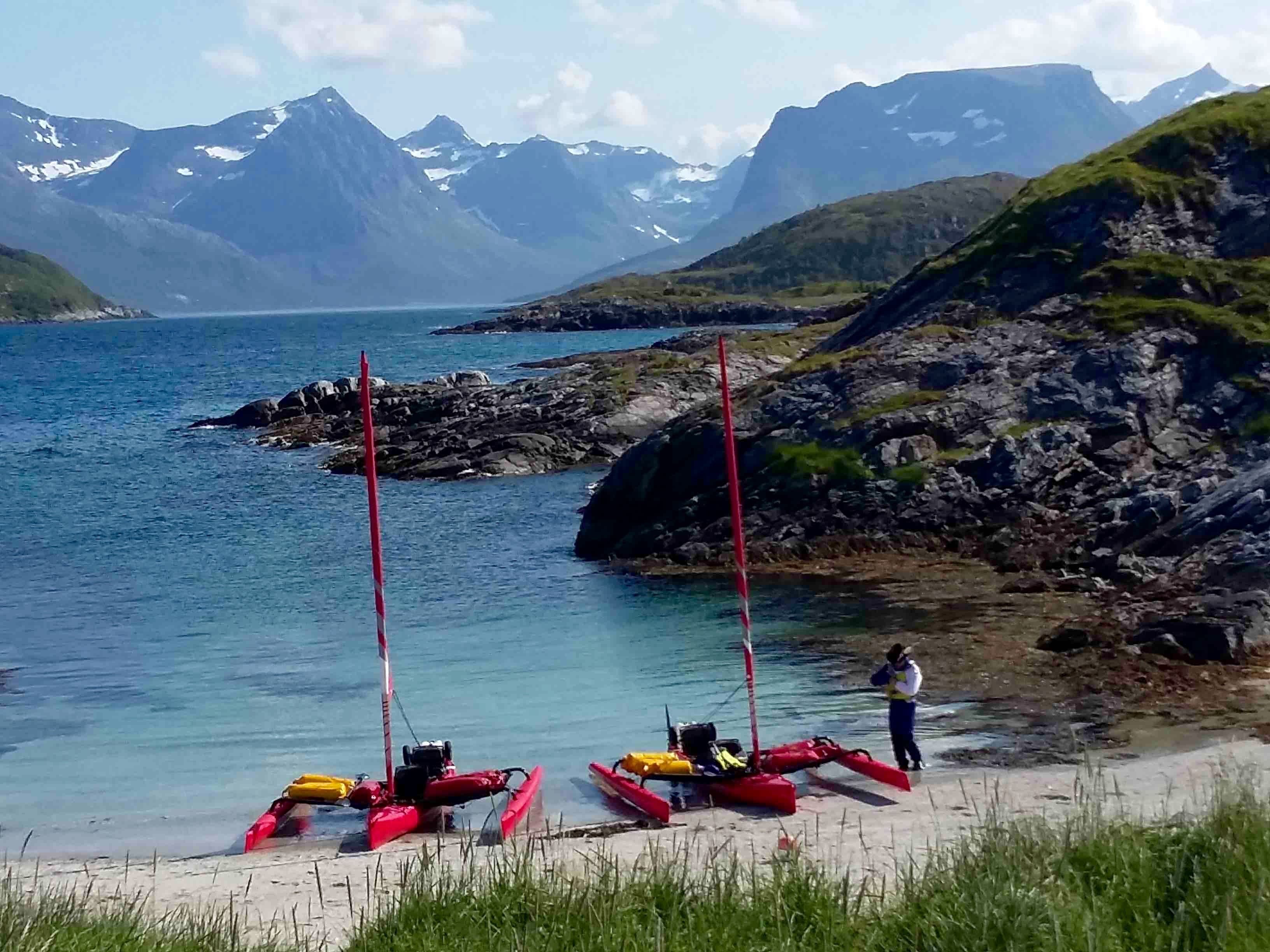 Yann Salagnon,  © 69 Nord Outdoor Center, Week-end and short stay trip by sailing kayak off the beaten path – 69 Nord Sommarøy Outdoor Center