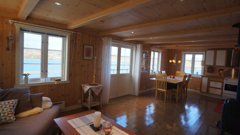 Moderne sjøhus i Brønnøysunds skjærgård