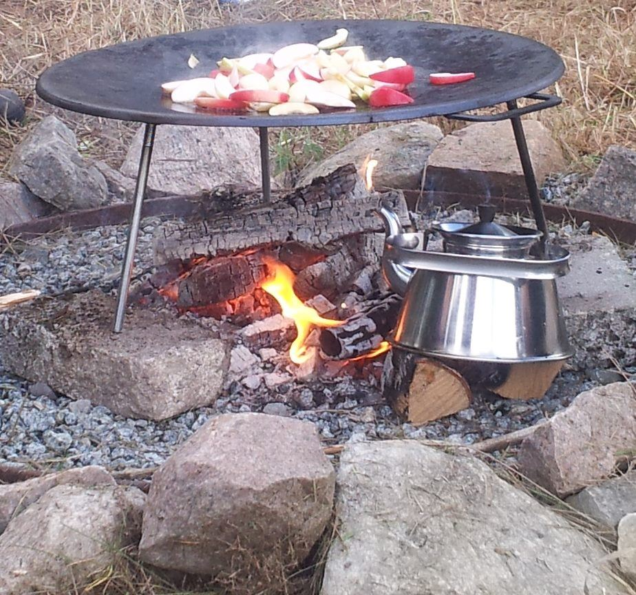 Outdoor cooking in Svartådalen
