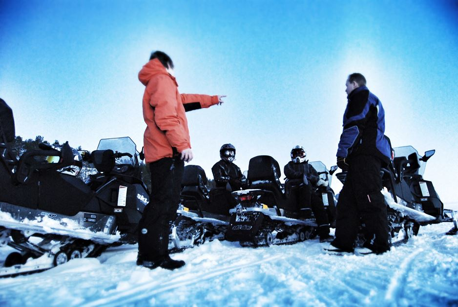 Snowmobile safari - Finadit (2 hours daytime trip)