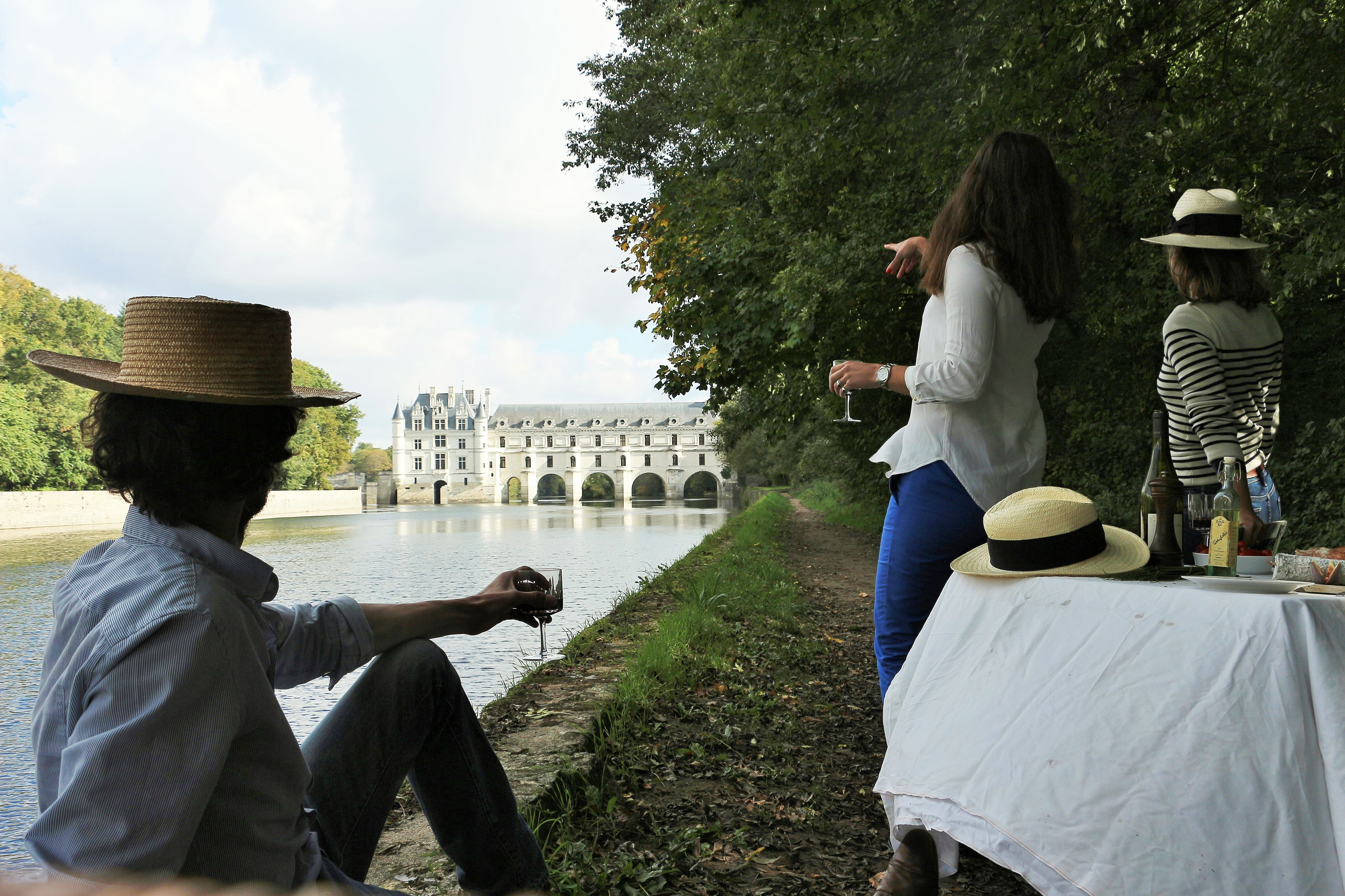 ALL INCLUDED FULL DAY EXCURSION TO CHAMBORD/CHENONCEAU AND TRADITIONAL LUNCH IN A FAMILY CASTLE WITH OLALOIRE