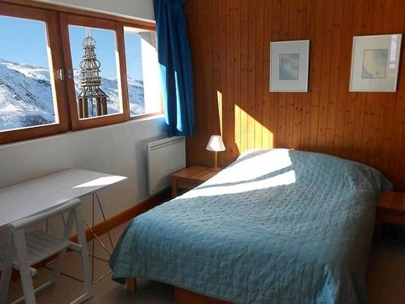 3 Rooms 6 Pers ski-in ski-out / ALPAGES 801