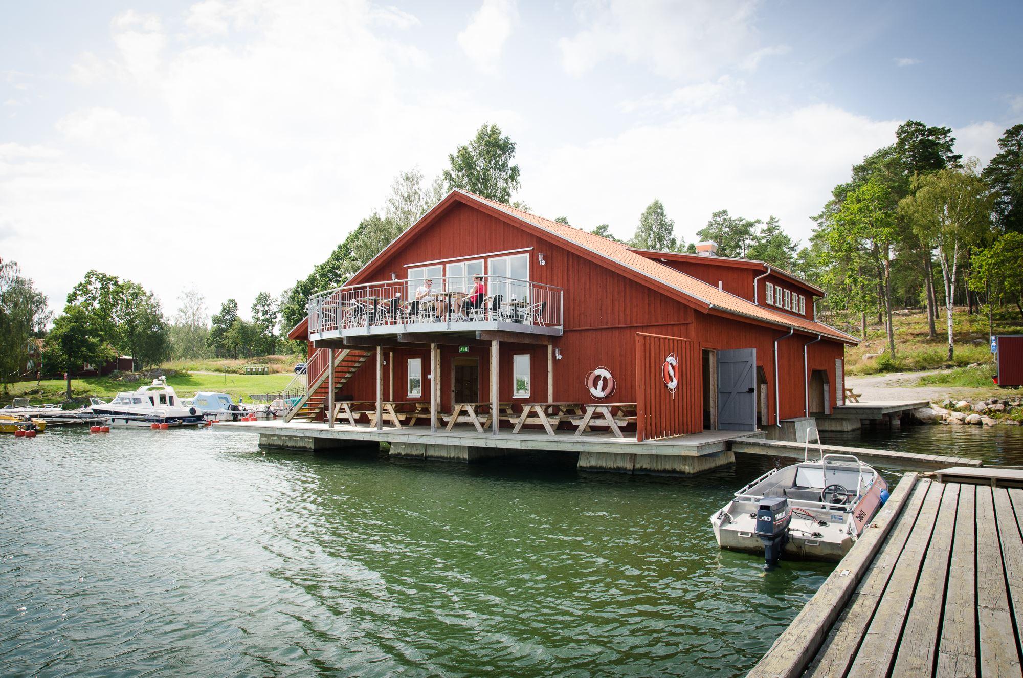 Skärgårdsbyn S:t Anna Mon/Ferienhäuser