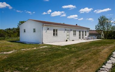 SGR2845 Gotland Farmers Cottage Buttle
