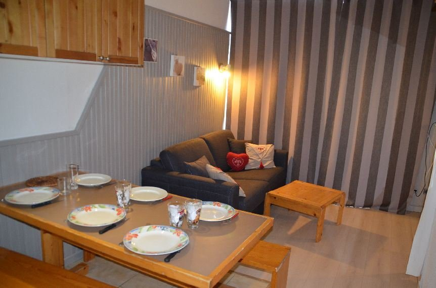 2 Room + cabin 4 pers ski-in ski-out / VILLARET 205