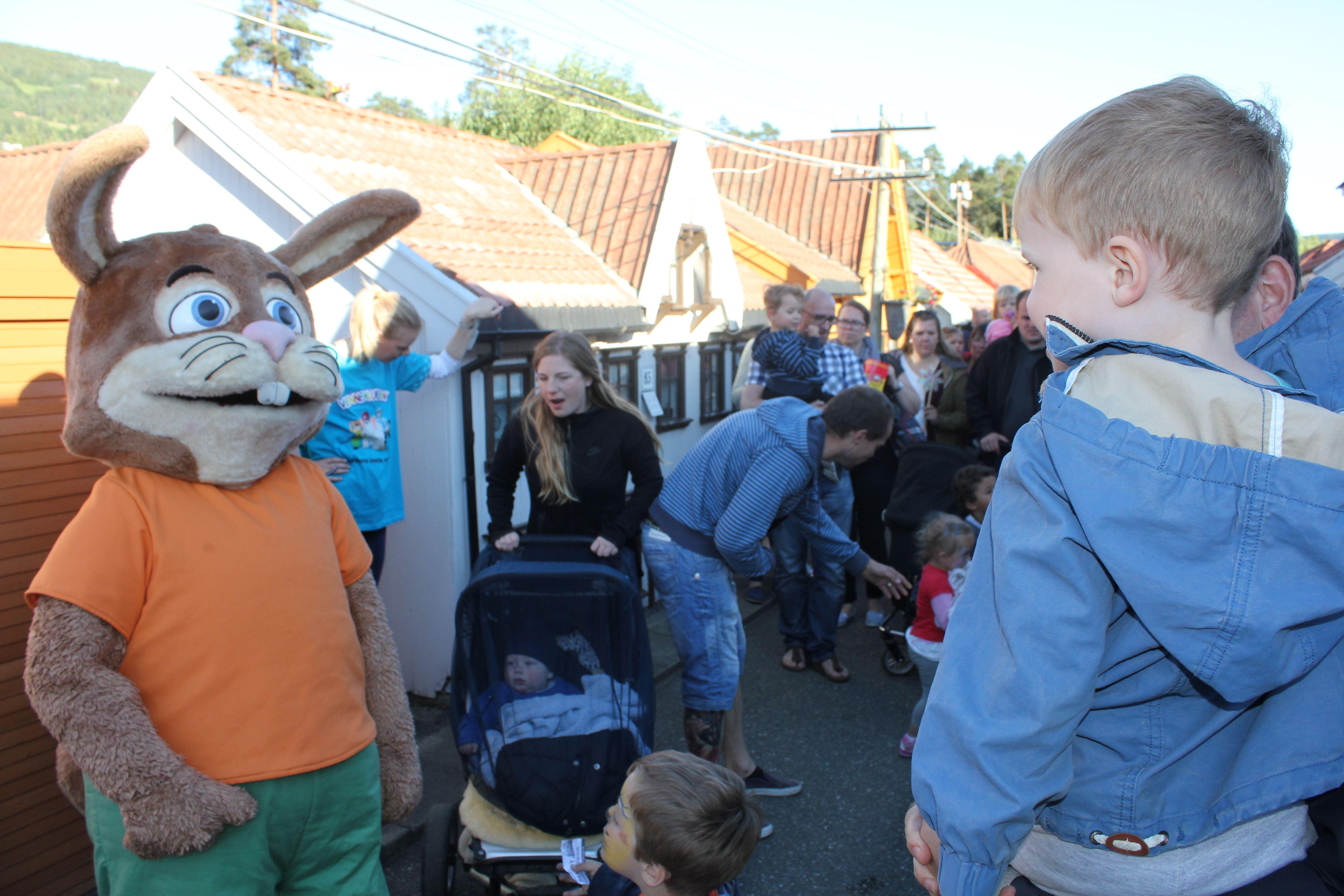 City of friends visit Lilleputthammer miniature town