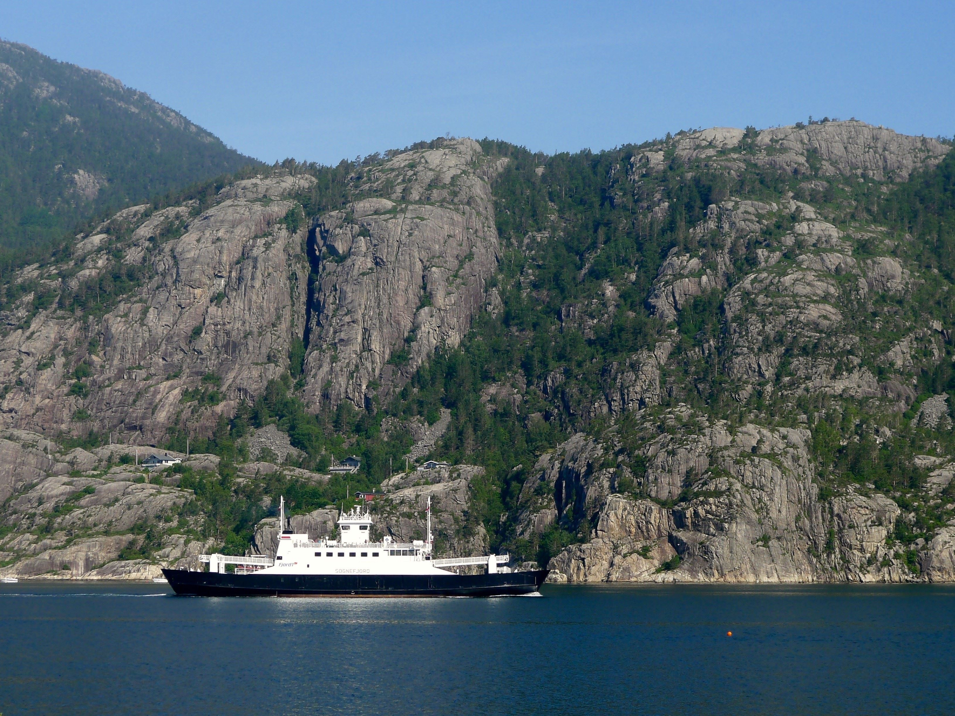 Fjord & Mountain tour in Lysefjord