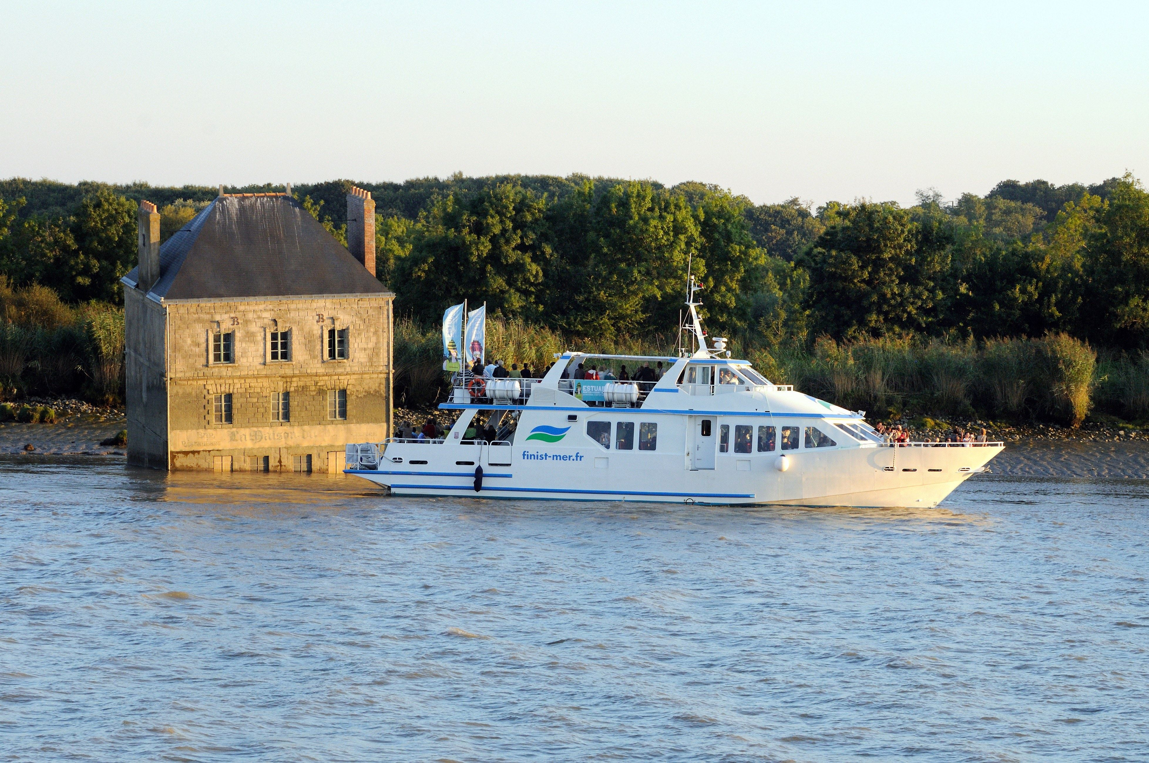 Estuary Cruise Nantes to Saint-Nazaire - one way cruise