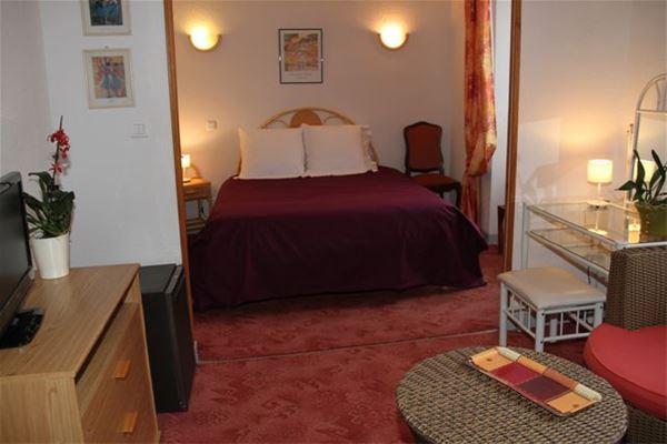 © Office de tourisme Neste Baronnies, NBH1 - Hôtel tout confort au cœur de Capvern Les Bains