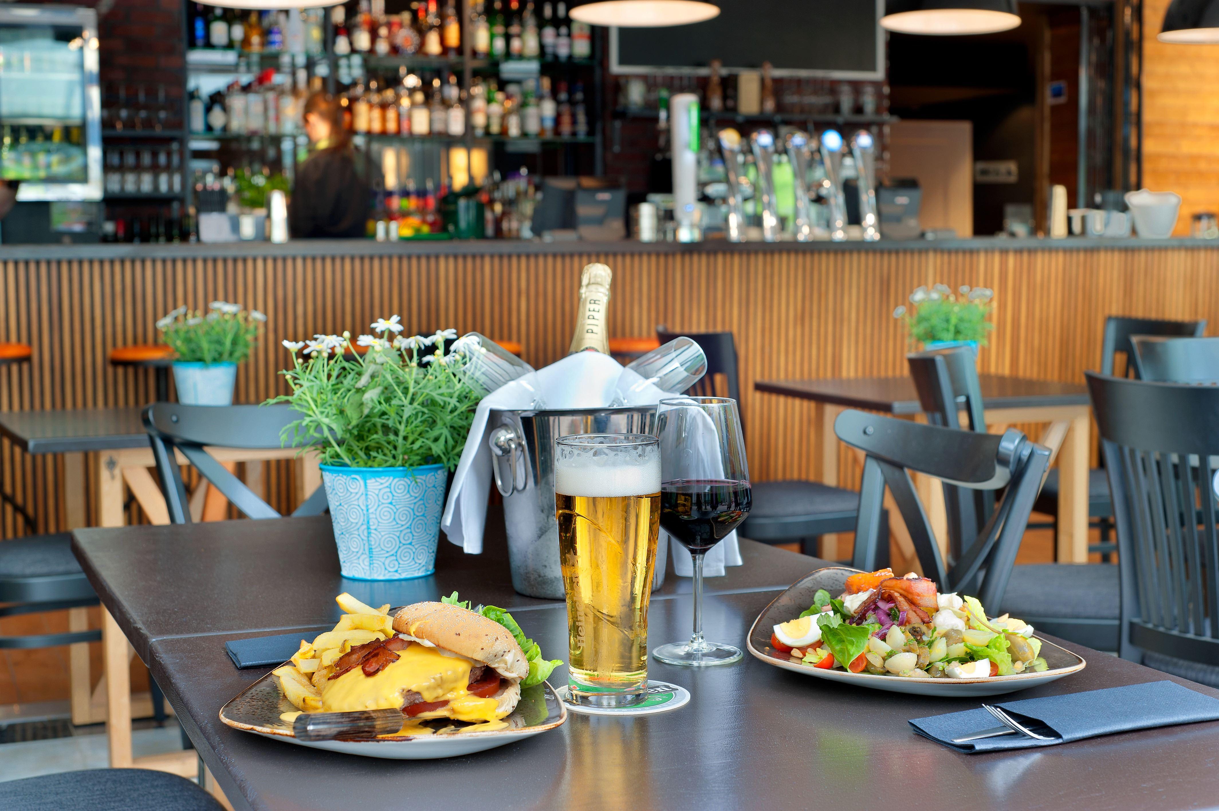 Bar & Bistro Seurahuone