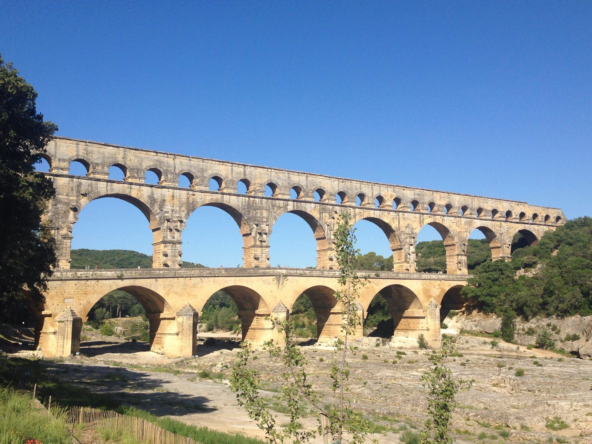 Pont du Gard/Tavel/Chateauneuf du Pape - Demi-journée - Provence Travel