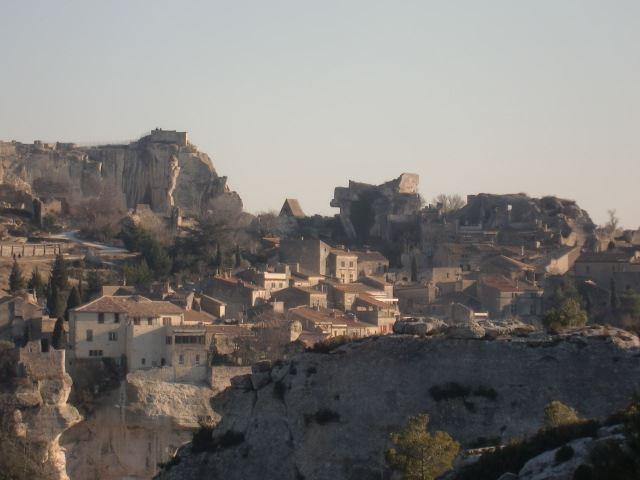 Pont du Gard/Les Baux de Provence( stop at A.O.C olive oil mill)/St rémy deProvence