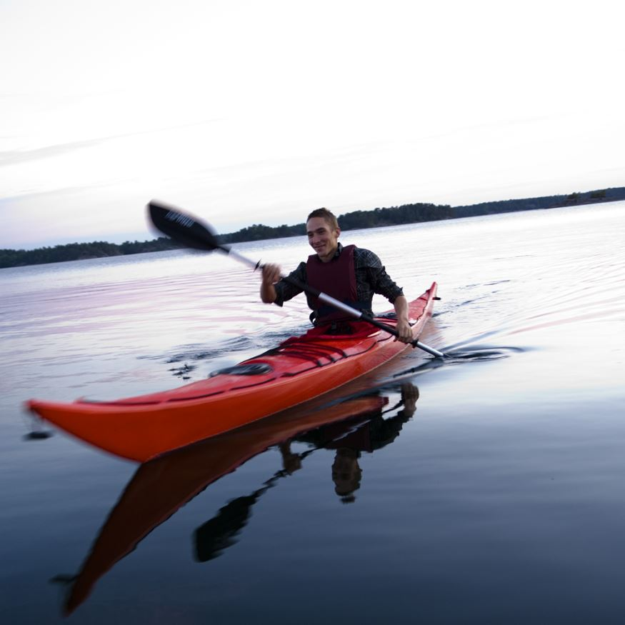 Rent a sea kayak on Hasselö