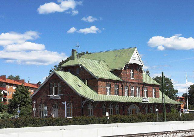 Bahnhof - historisches Gebäude