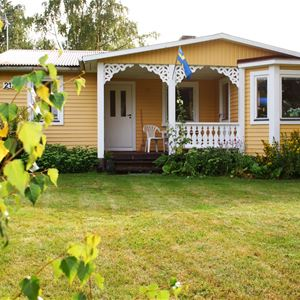 Cottage with 10 beds - Norje Boke