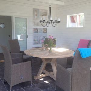 Cottage with 4+2 beds - Hällevik