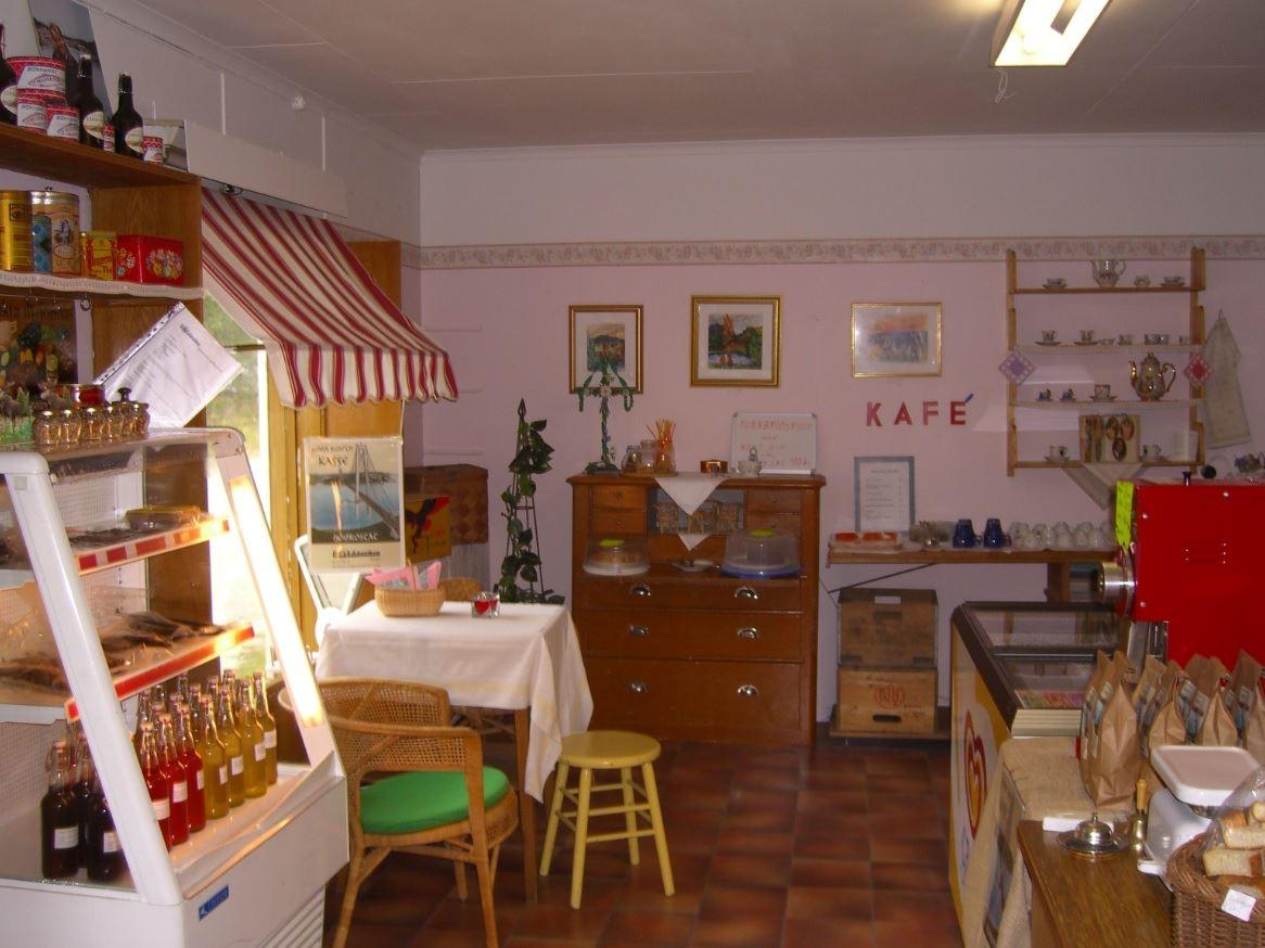 © Bomanska museet, Kyl med vilt och lokala delikatesser samt kafé med sik-laxmackor och hembakat